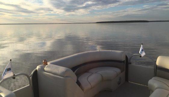 Beacon Hill on Cedar Creek Lake Boating Season 2018
