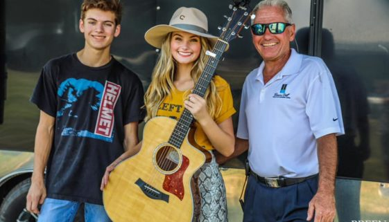 Riley Thompson American Idol Finalist Visits Beacon Hill on Cedar Creek Lake